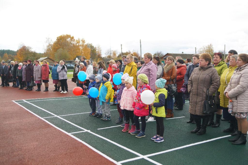 Смоленский губернатор принял участие в праздновании 90-летия Темкинского района