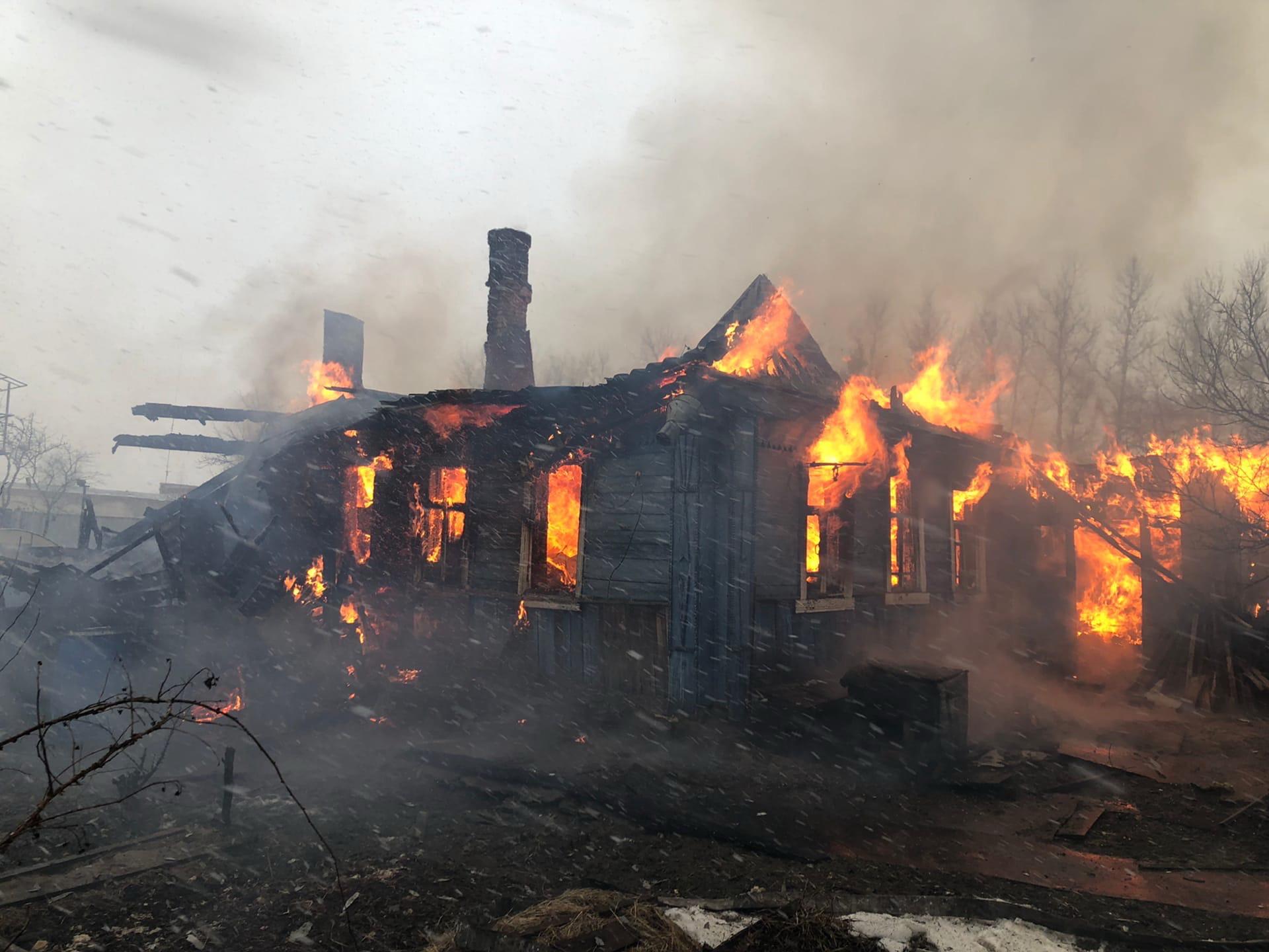 фотографии горящих домов можно