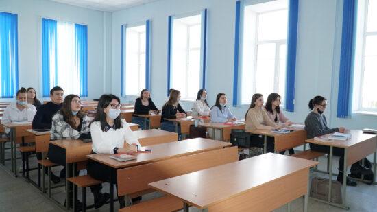 В СмолГУ прошел круглый стол с участием действующих судей