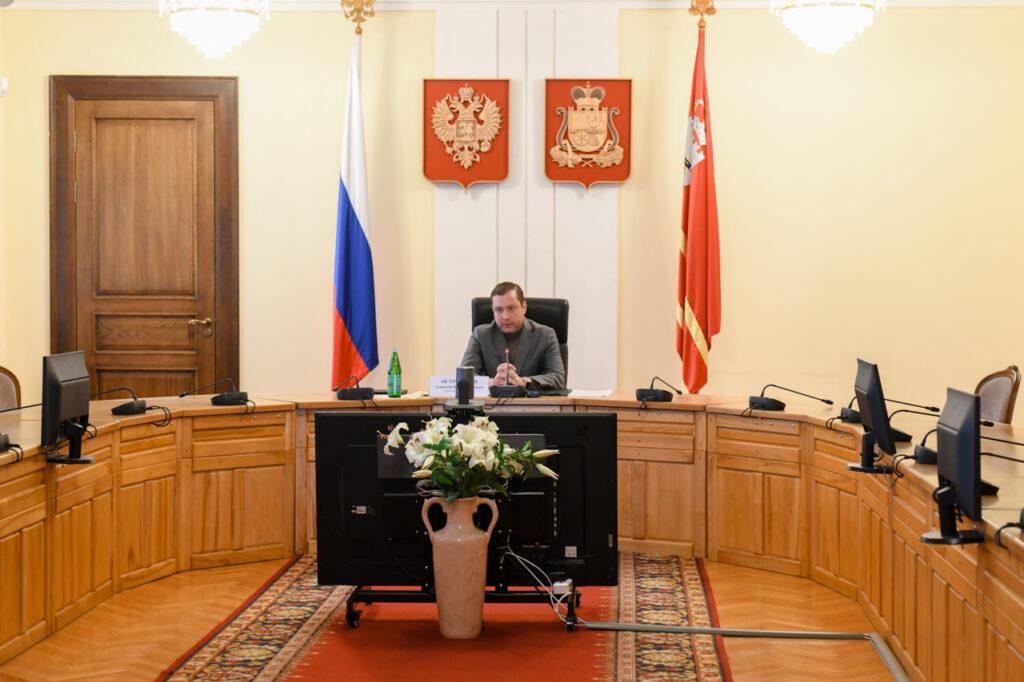 губернатор Островский